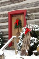 Ideas how to make comfortable rustic outdoor christmas décoration 13
