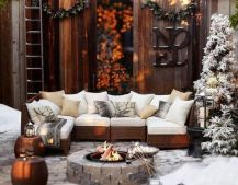 Ideas how to make comfortable rustic outdoor christmas décoration 42