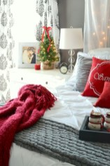 Inspiring christmas bedroom décoration ideas 07