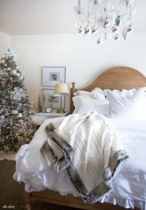 Inspiring christmas bedroom décoration ideas 10