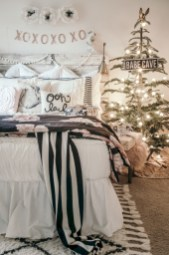 Inspiring christmas bedroom décoration ideas 16