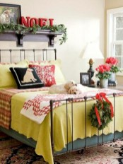 Inspiring christmas bedroom décoration ideas 26