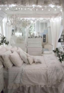 Inspiring christmas bedroom décoration ideas 38