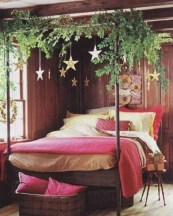 Inspiring christmas bedroom décoration ideas 40