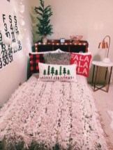 Inspiring christmas bedroom décoration ideas 42