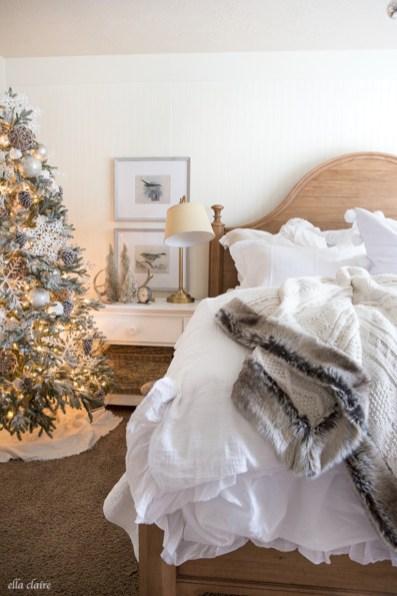 Inspiring christmas bedroom décoration ideas 50