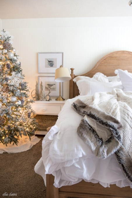 Inspiring christmas bedroom décoration ideas 50