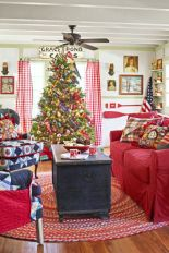 Inspiring christmas decoration ideas using plaid 04
