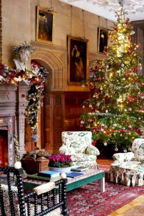 Inspiring christmas decorations ideas with traditional touch 11