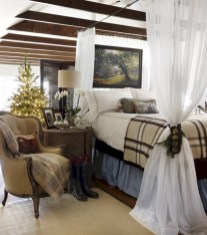 Inspiring christmas decorations ideas with traditional touch 23