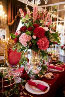 Inspiring christmas decorations ideas with traditional touch 59