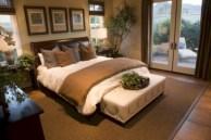 Inspiring earth color bedroom designs ideas 49