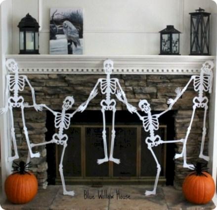 Inspiring halloween fireplace mantel ideas 32