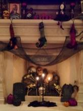Inspiring halloween fireplace mantel ideas 42