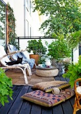 Lovely patio outdoor space ideas on a minimum budget (37)