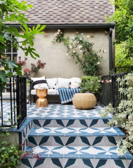 Lovely patio outdoor space ideas on a minimum budget (53)