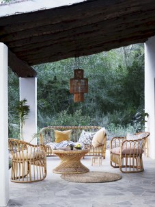 Lovely patio outdoor space ideas on a minimum budget (59)
