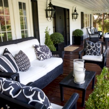 Lovely patio outdoor space ideas on a minimum budget (63)
