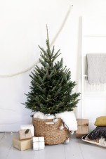 Minimalist and modern christmas tree décoration ideas 04