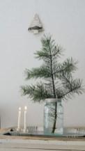Minimalist and modern christmas tree décoration ideas 21