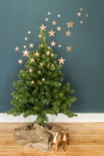 Minimalist and modern christmas tree décoration ideas 30