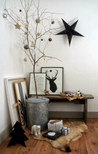 Minimalist and modern christmas tree décoration ideas 31