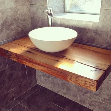 Modern bathroom with floating sink decor (13)