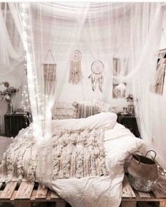 Moroccan themed bedroom design ideas 39