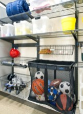 Neat and well-organized garage home decor ideas (12)