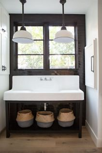 Rustic farmhouse bathroom ideas you will love (31)