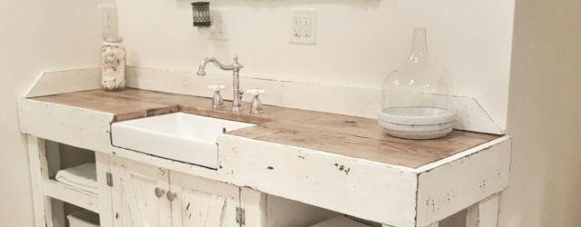 Rustic farmhouse bathroom ideas you will love (40)