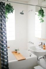 Simple bathroom ideas for small apartment 09