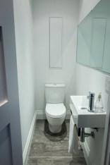Simple bathroom ideas for small apartment 10