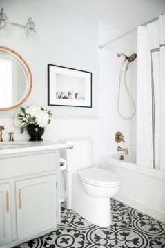 Simple bathroom ideas for small apartment 19