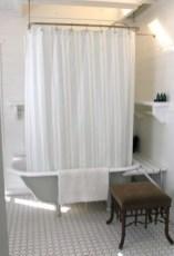 Simple bathroom ideas for small apartment 24