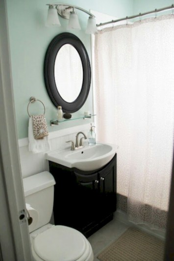 Simple bathroom ideas for small apartment 38