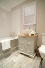 Small country bathroom designs ideas (53)