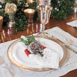 Stunning christmas table decorations ideas 19