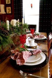 Stunning christmas table decorations ideas 33