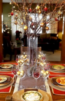 Stunning christmas table decorations ideas 34