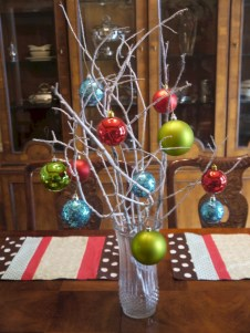 Stunning christmas table decorations ideas 47