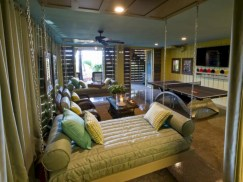 Stylish bedrooms with floor to ceiling windows 37