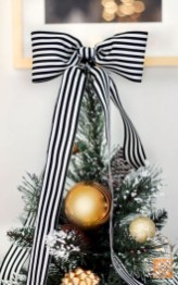 Stylish christmas décoration ideas with stylish black and white 29