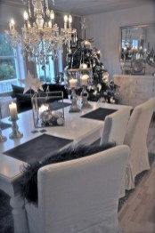 Stylish christmas décoration ideas with stylish black and white 30