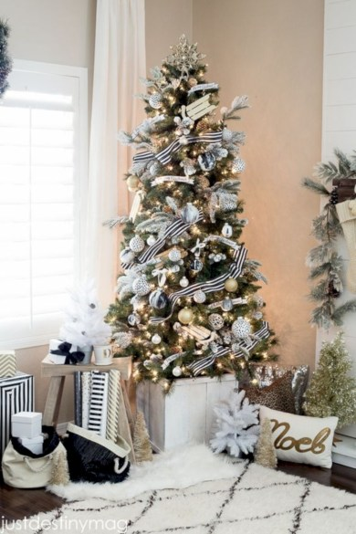 Stylish christmas décoration ideas with stylish black and white 47