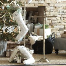 Stylish christmas decoration ideas using sleigh 26 26