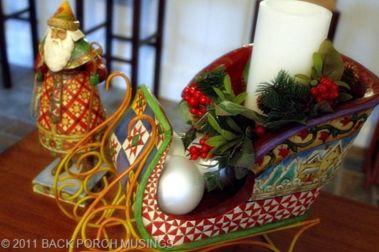 Stylish christmas decoration ideas using sleigh 51 51