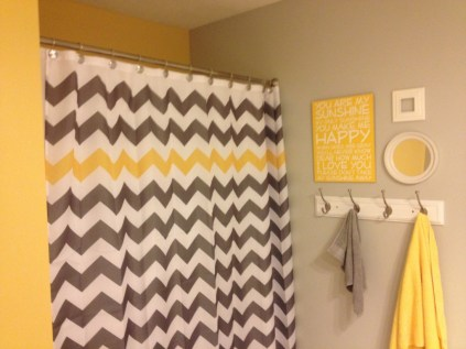 Yellow tile bathroom paint colors ideas (31)