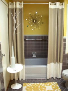 Yellow tile bathroom paint colors ideas (5)