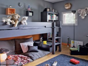 Cool kids bedroom with pink colour 27